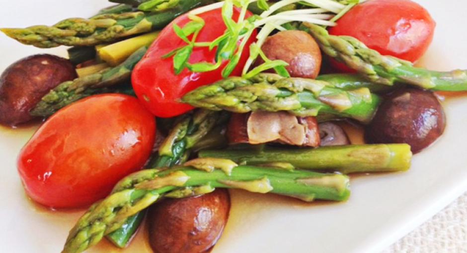 3 Italian Asparagus Mixed with Mushrooms * *