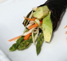 16 Japanese style hand-roll