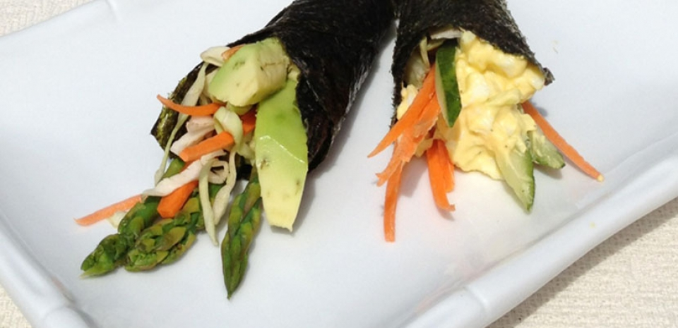 16 Japanese-Style Hand Roll