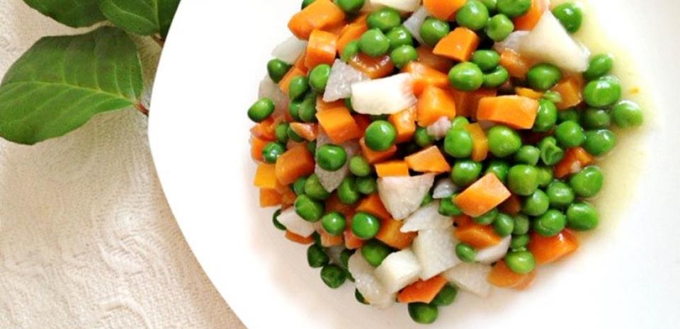 21 Stir-fried Nagaimo Yam and Sweet Peas * * *