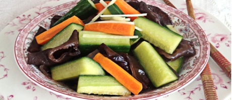 39 Cucumber and Black Fungus Salad with Soy Sauce (Appetizer)