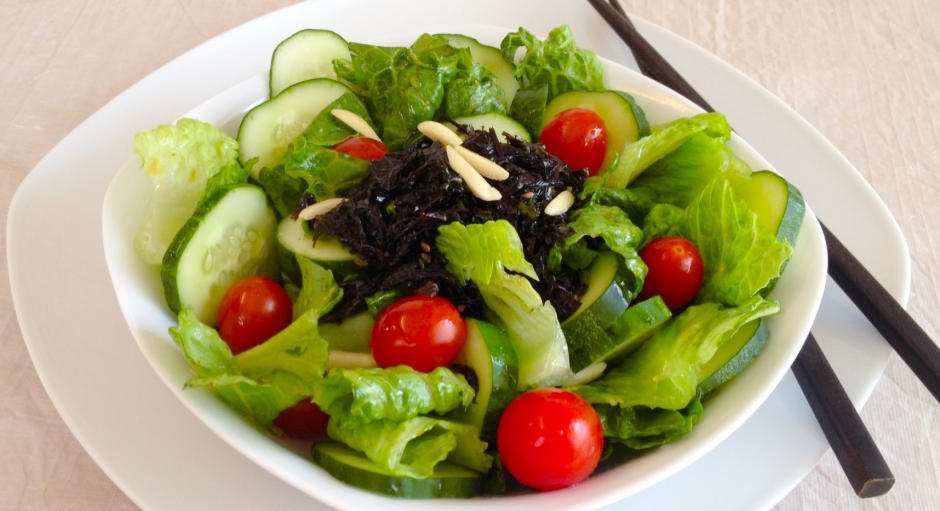 99 Seaweed and Lettuce Salad * * *