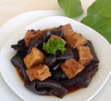 89 Braised Seaweed and Fried Tofu
