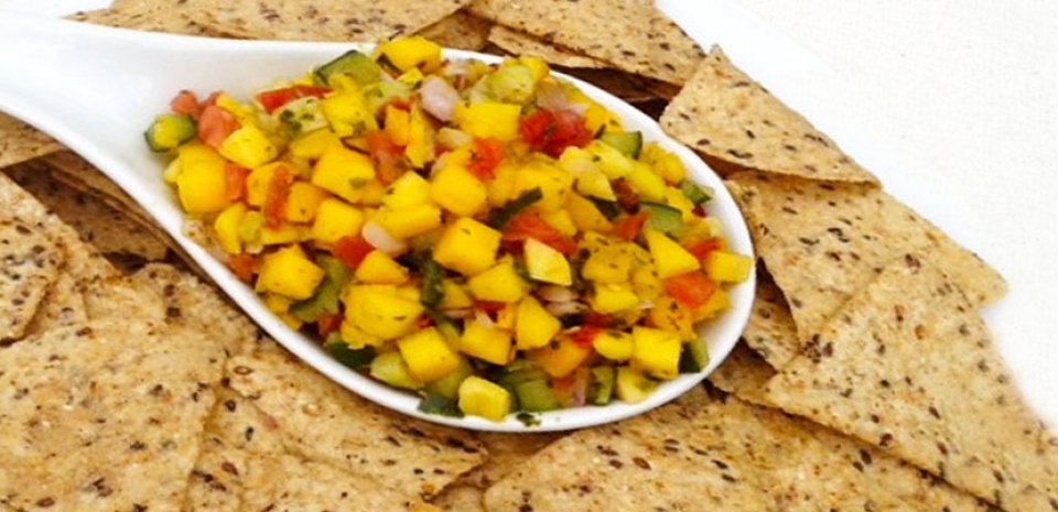 80 Mango Salsa and Tortilla Chips