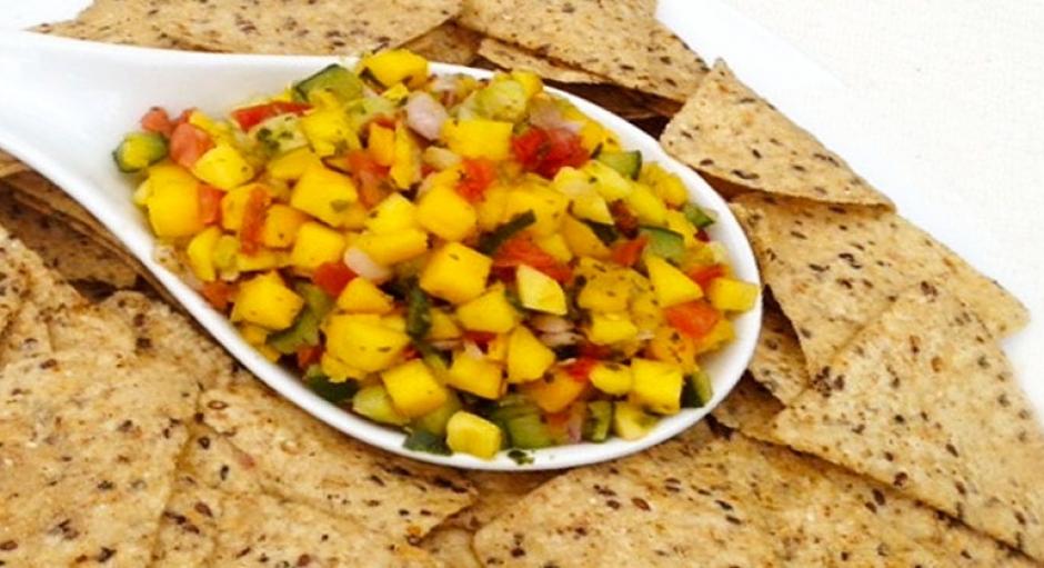 80 Mango Salsa and Tortilla Chips