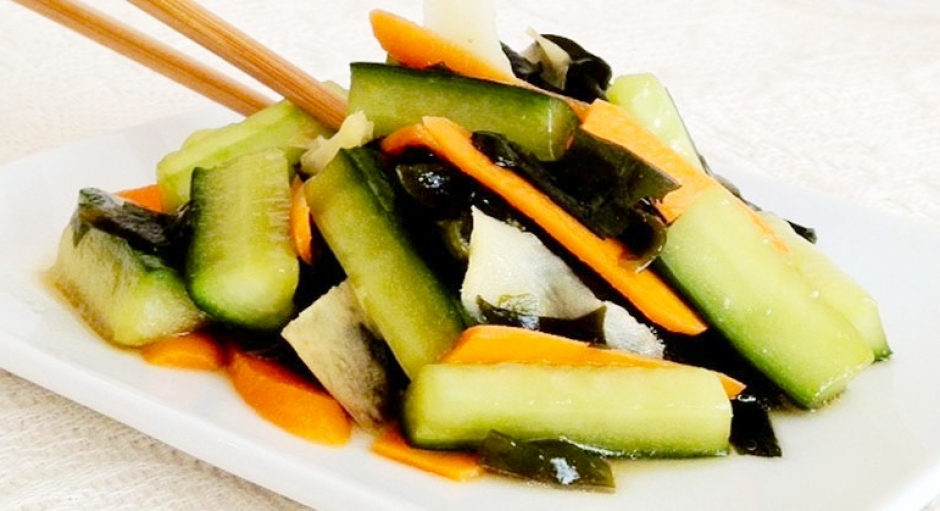 63 Cucumber and Seaweed Salad * * *