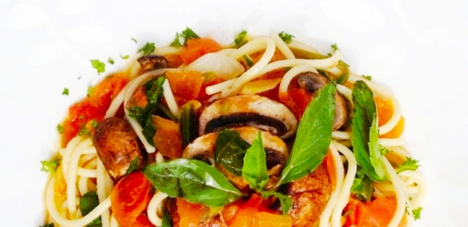 48 Italian Pasta with Mushrooms and Tomatoes