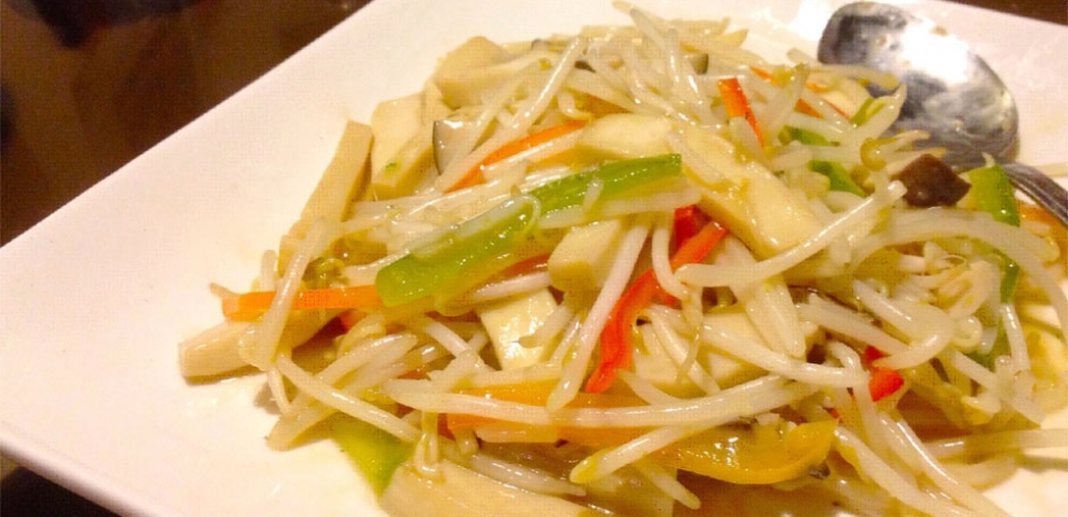 325 Stir Fried Bell Pepper, Bean Sprouts, and Dried Tofu